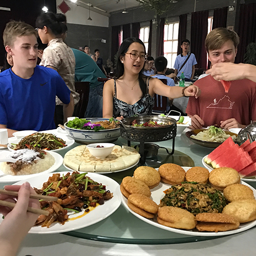 Shanghai Fundan Students Dine